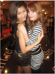 zendi se lleva muy bien con Bella Thorne:)