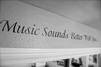 Music sounds better with U