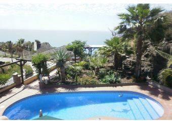 Villa Nerja 465€ http://www.inmobiliariacanovas.com/rentals/details.php?id=4558&lang=spa