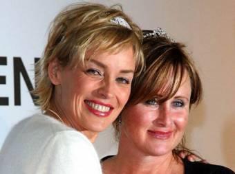 Sharon y Kelly Stone