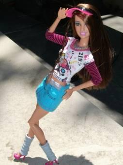 sporty octriz barbie fashionista adverture