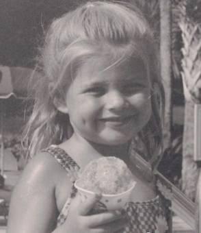 Porque de pequeña era guapa.