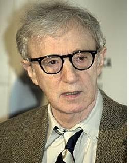 Woody Allen-(Por Midnight in Paris)