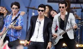 Jonas Brothers .