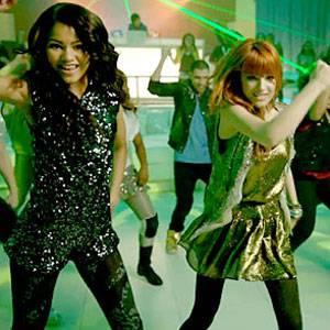 Por buenas bailarinas