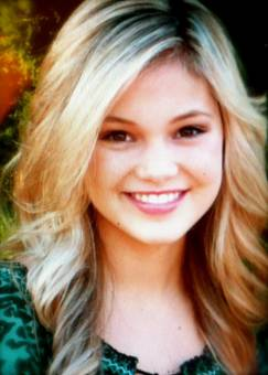 Kim Crawford--Olivia Holt--15 años