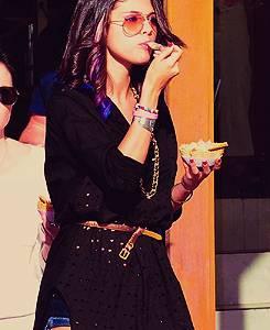 Selena Gomez {selenators