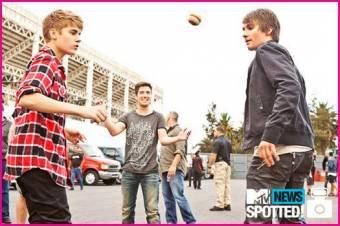 Justi Bieber y Big Time Rush-Rusher y Belieber.Yo amo a estos Monoperros Normales