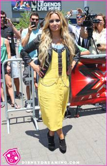 Yellow dress hair down